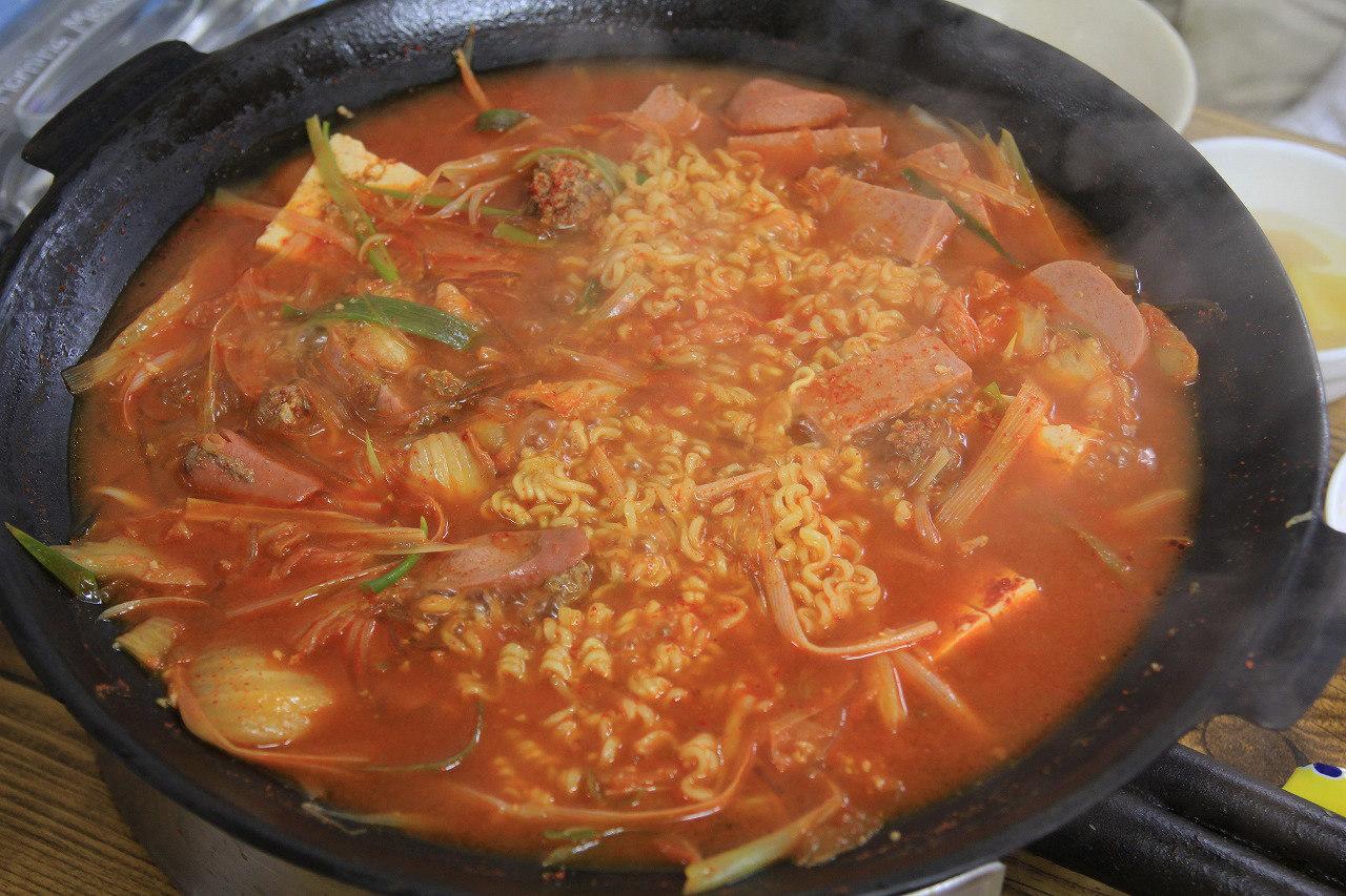 韓国のラーメン鍋「プデチゲ」!基本レシピとアレ …